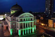 Teatro Amazonas ganha iluminação especial no combate à Covid-19