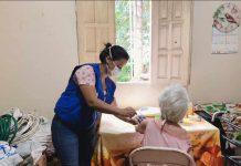 Vacinação dos idosos também aconteceu nos domicílios