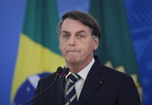 47% acham que Bolsonaro deve deixar a Presidência