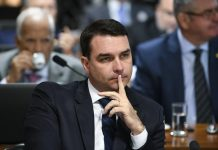 Flávio Bolsonaro será ouvido pelo MPF sobre denúncias de seu suplente
