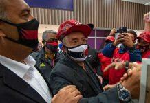 Novo treinador do flamengo Domènec Torrent chega ao Brasil