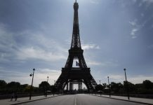 Torre Eiffel é esvaziada e mídia francesa fala em ameaça de bomba