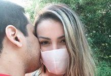 Andressa Urach visita nova igreja com namorado: 'Me permitindo'