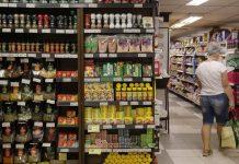 Três supermercados devem melhorar práticas de responsabilidade, diz ONG