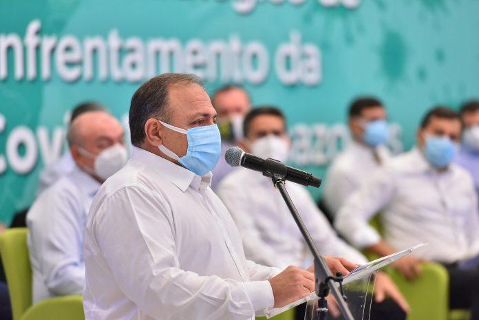 Em Manaus, Pazuello diz que vacinação contra covid-19 começa 'no Dia D, na hora H'