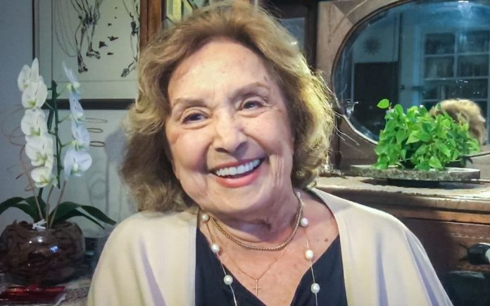 Atriz Eva Wilma está internada em UTI com sintomas de pneumonia