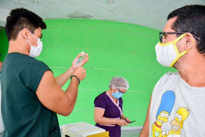 Covid-19: Manaus já aplicou 91% das primeiras doses de vacina recebidas do Ministério da Saúde