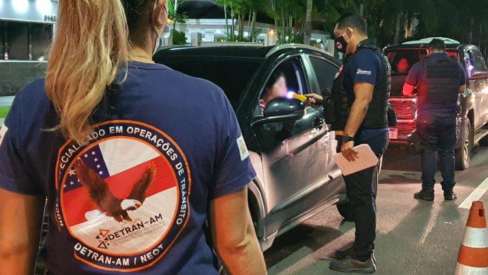 Detran-AM realiza operações e flagra 58 motoristas alcoolizados