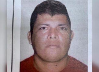 Polícia divulga imagem de homem foragido por cometer feminicídio