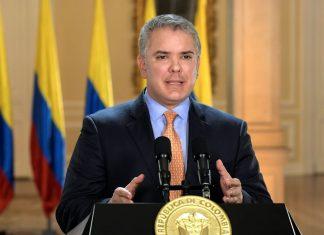 Presidente da Colômbia diz que vai retirar reforma tributária de pauta
